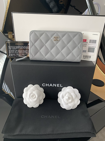Chanel   Grey Caviar Leather Zippy Wallet