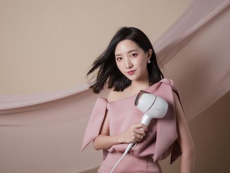 最直覺好上手的Philips Adele智慧溫控吹風機,輕量美型打造光澤蓬鬆髮
