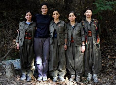 Virginia Benedetto: Fotógrafa rosarina que viajó a Kurdistán y refleja la Revolución de las Mujeres