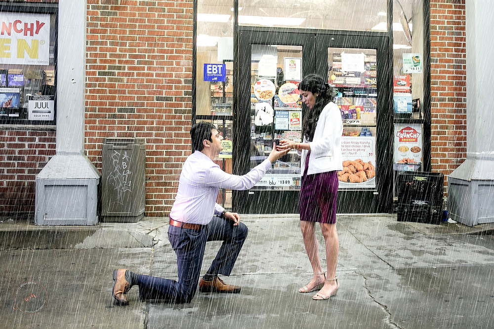 Man proposes to girlfriend in rain during engagement session with South NJ Photographer Anett Mindermann
