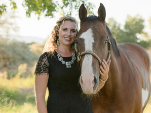 5 Tips of what to wear for your equine photo shoot!