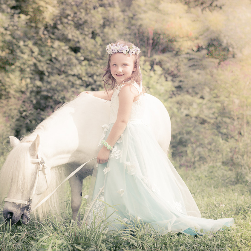 fairytale photo shoot with princess and horse