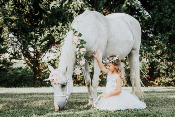 UnicornPhotoShootAnettMindermannPhotography.jpg