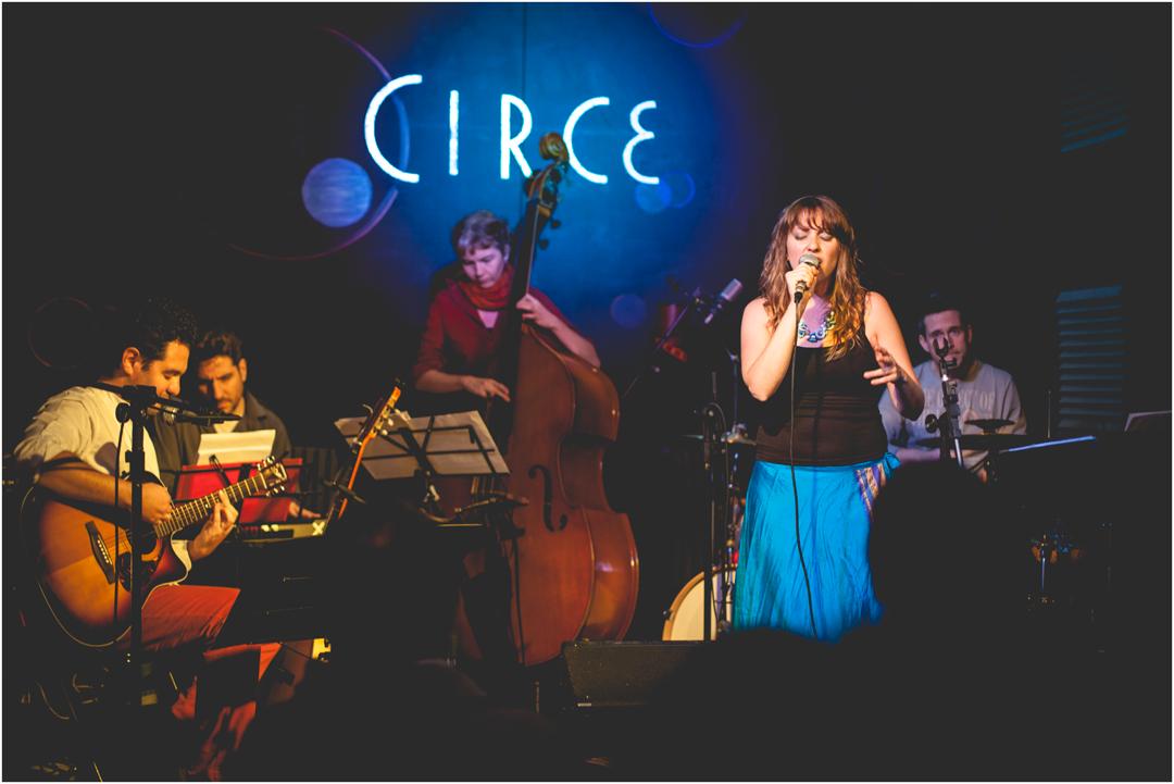 ''Laura Jais Grupo'' en Circe