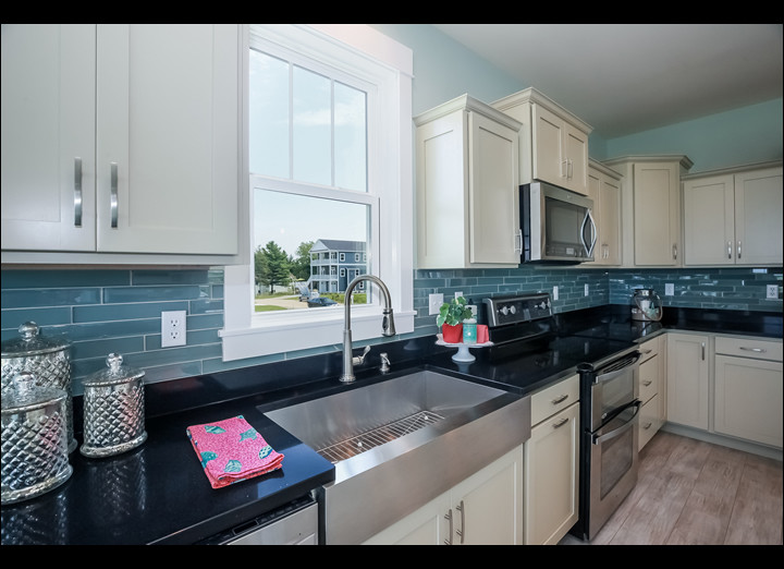Kitchen3-sm.jpg