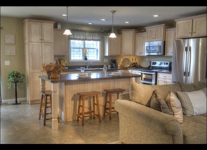 Kitchen4-sm.jpg