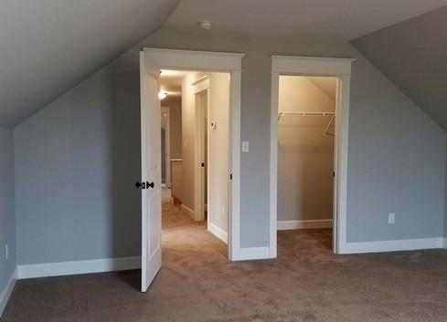 35-Poplar Springs 2nd Floor Bedroom.jpg