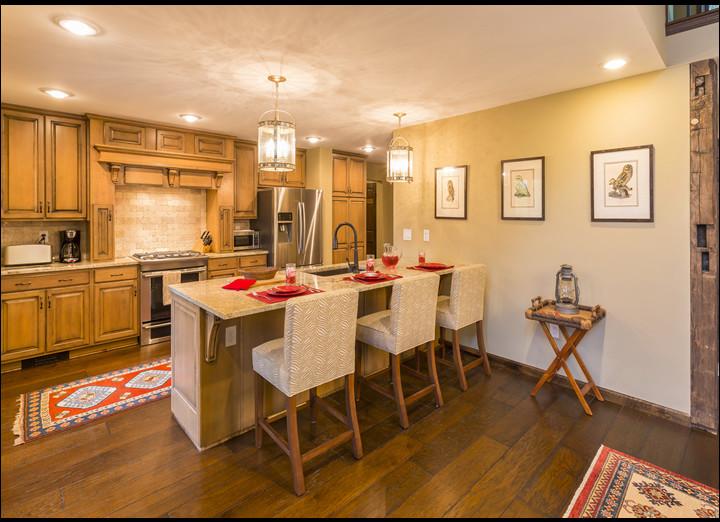 Kitchen10-sm.jpg