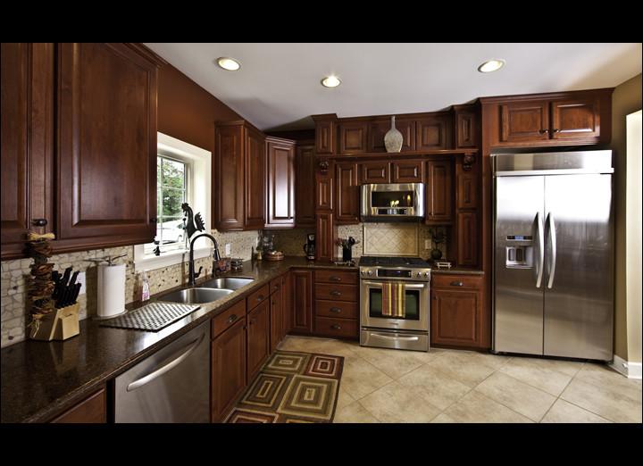 Kitchen8-sm.jpg