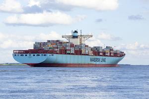 tàu chở hàng trên biển maesk line