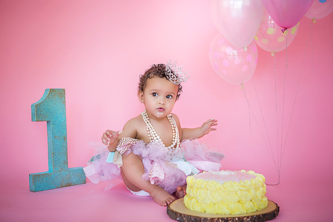 First birthday and a smash cake photo session with cutie pie Aurora