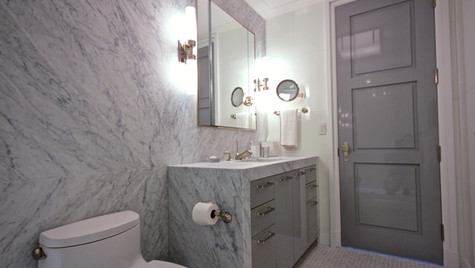 Bianco Carrara Bath