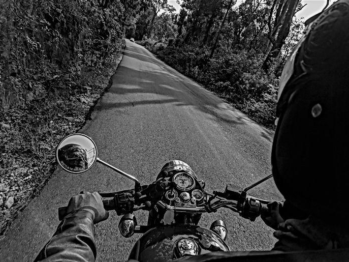 man-riding-motorcycle-977511(1).jpg