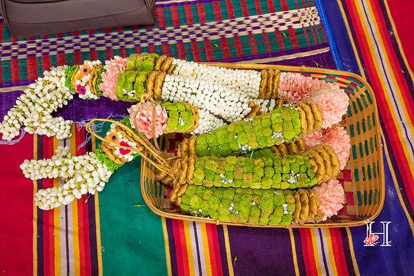 wedding garland.jpg