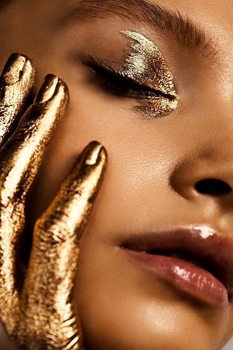 gold makeup look, creative makeup artist