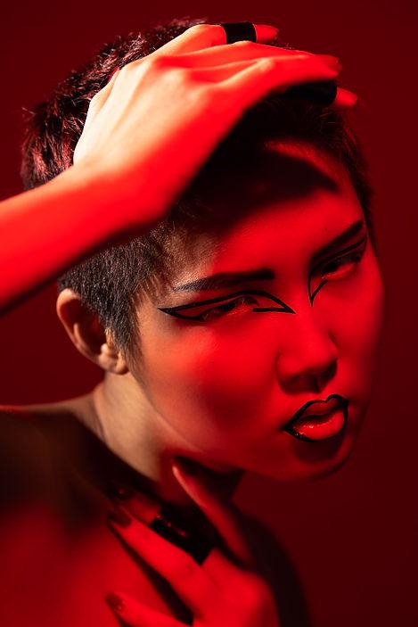graphic eyeliner, creative makeup artist