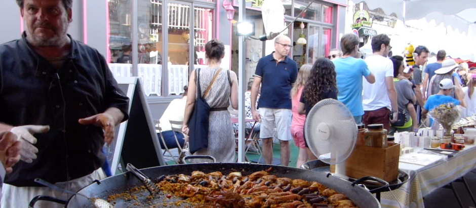 Paella La Manade sur le marché central de La Rochelle