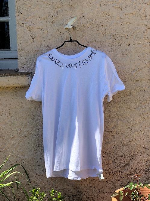 T-shirt souriez vous êtes rimés
