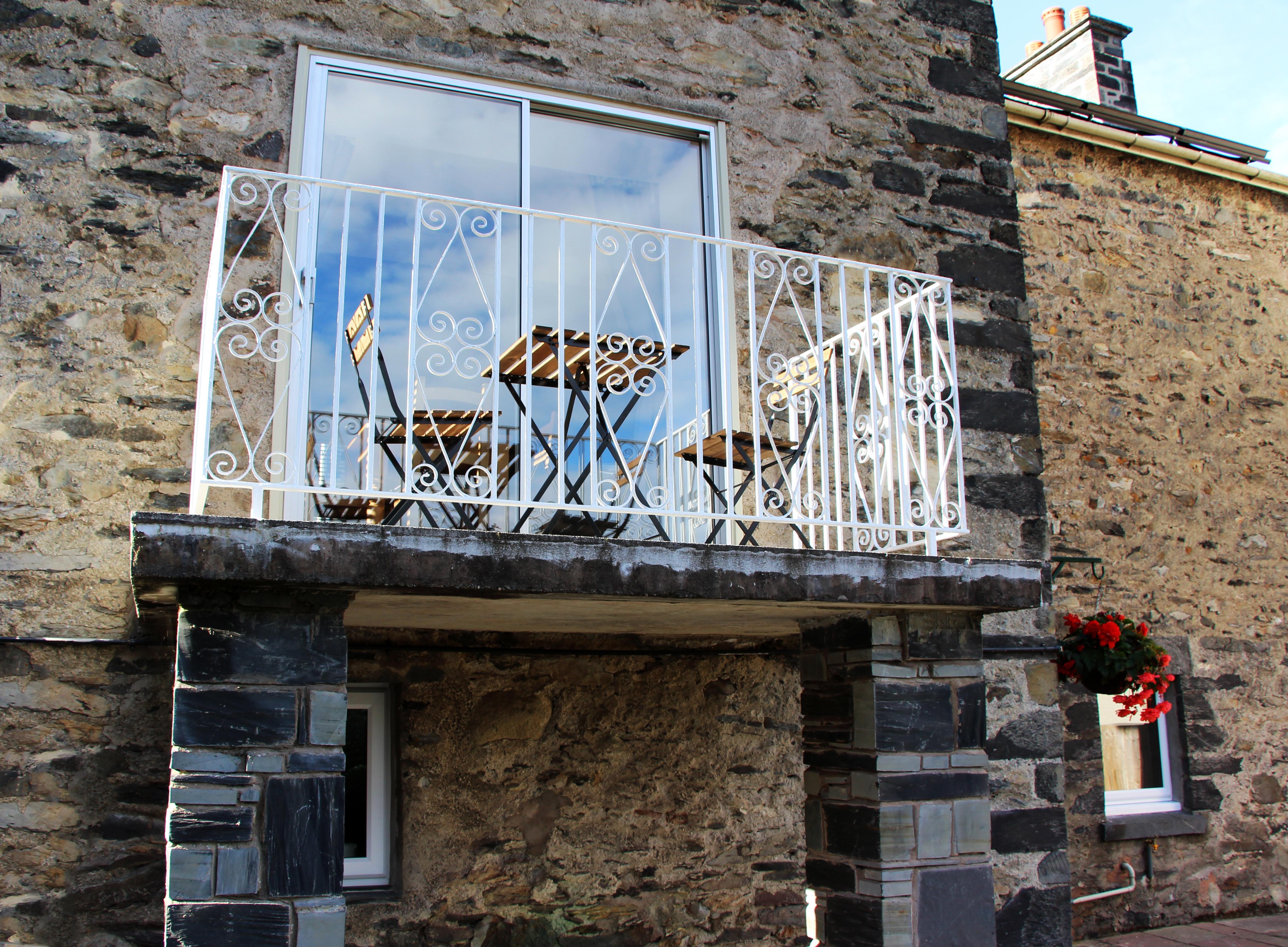 Swn-y-Dwr rear balcony