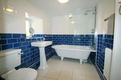 Lower ground floor bathroom