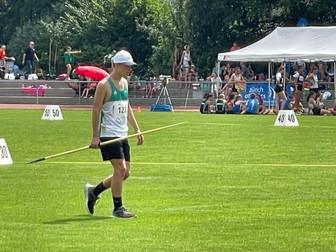 Ben Seger mit gutem Speerwurf am Kantone-Wettkampf