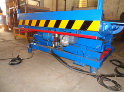 Brakes India 1T P1400 x 1400 with Motor integrated with Scissor