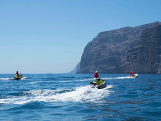 Jet skiing in Los gigantes