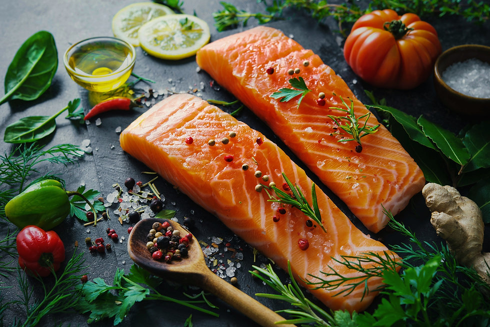 Fresh%2520salmon%2520fillet%2520with%2520aromatic%2520herbs%252C%2520spices%2520and%2520vegetables_e