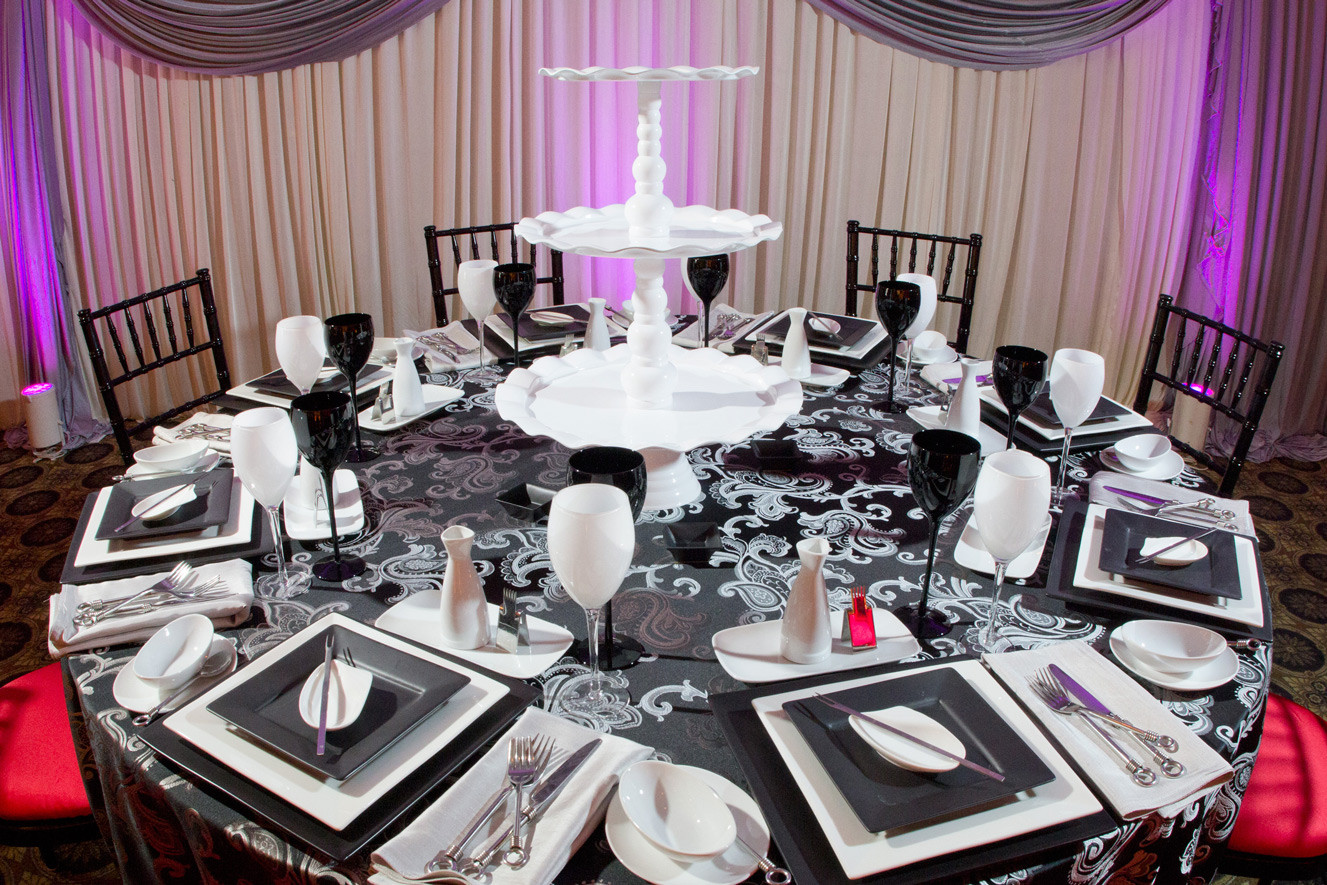Biagio Ballroom Table Setting