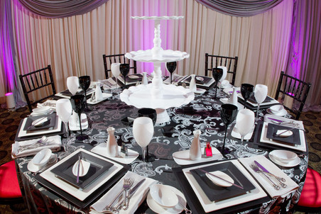 Biagio Ballroom Table Setting