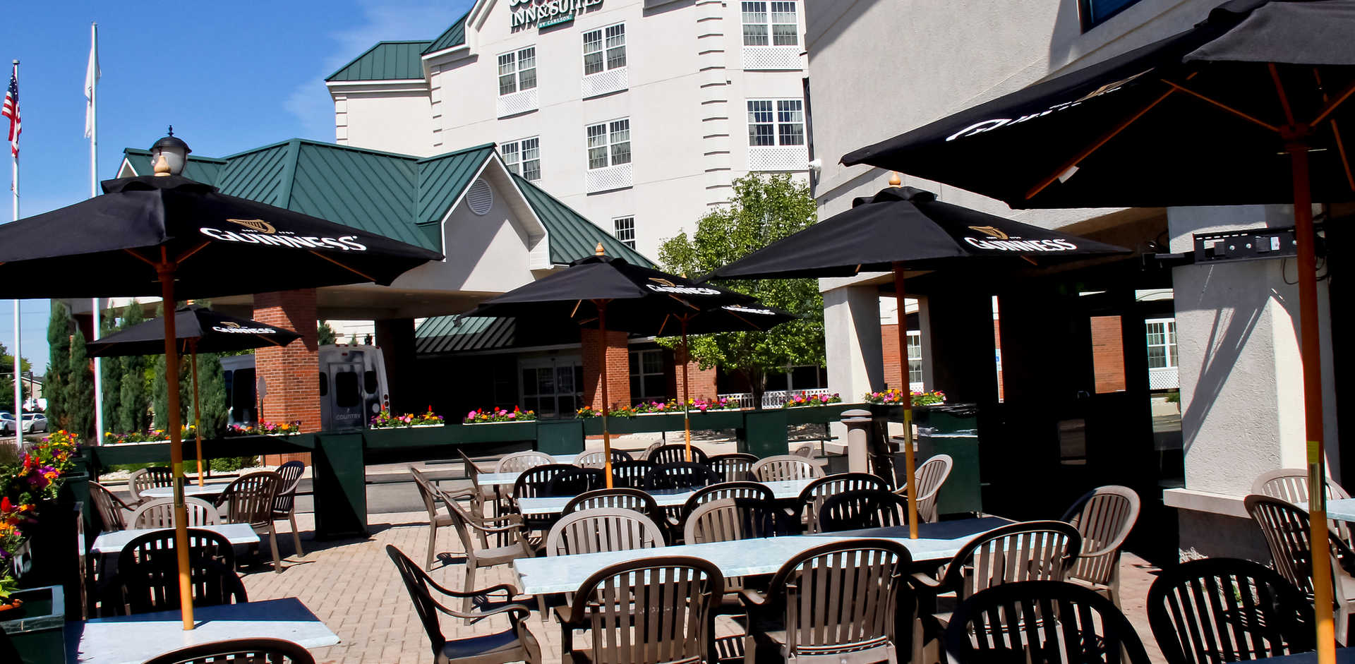 Real Time Sports Bar and Grill Patio view 3