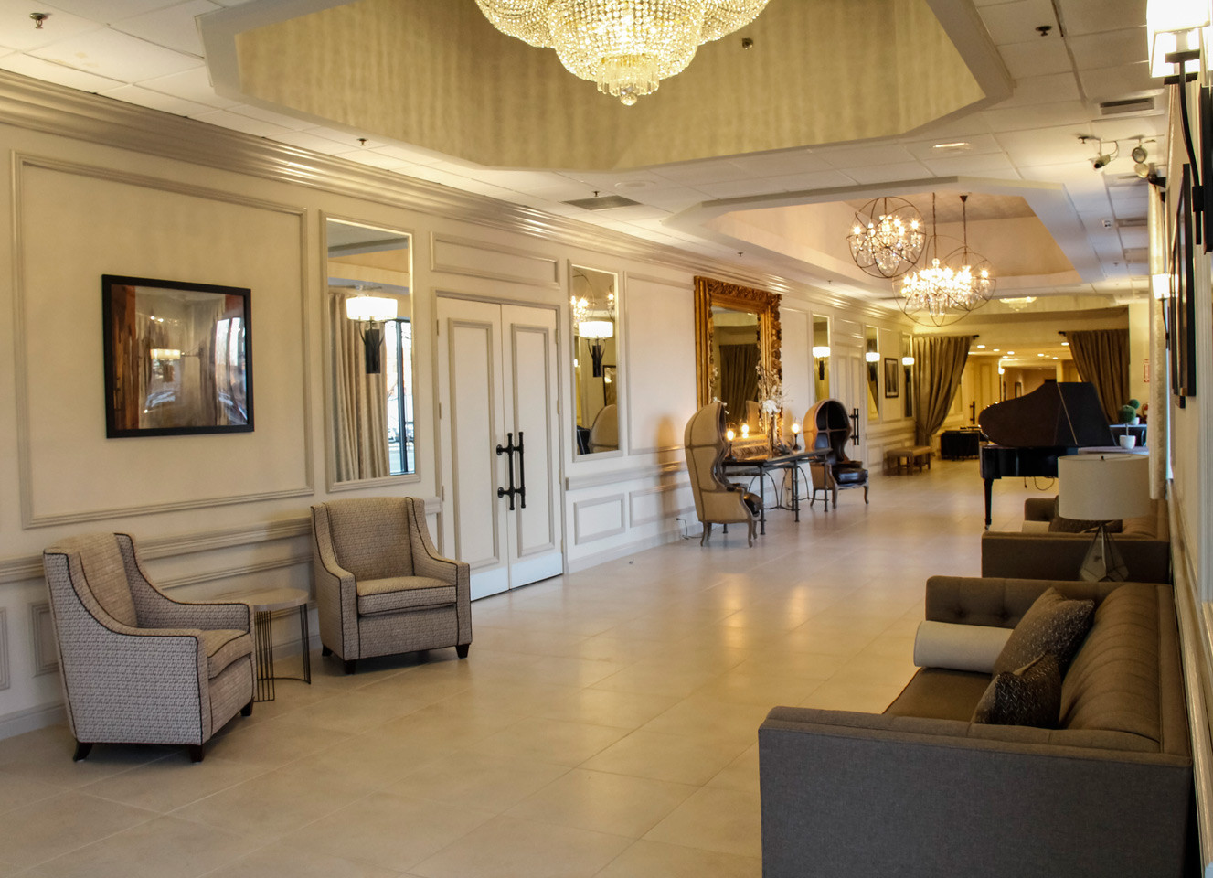 Biagio Lobby Decor