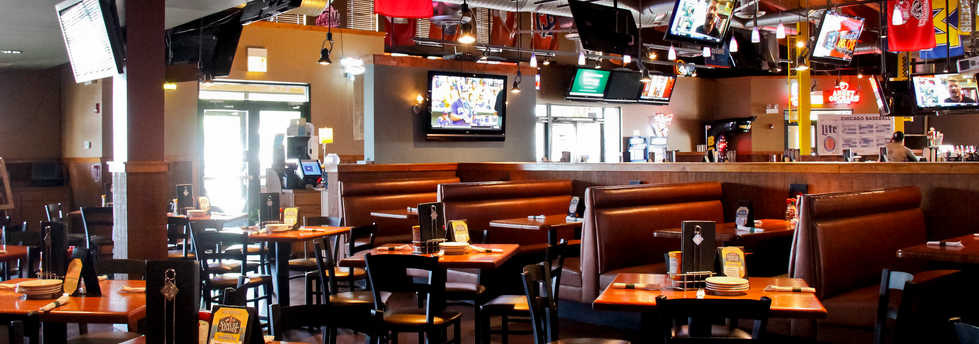Real Time Sports Bar and Grill Dining Room view 3