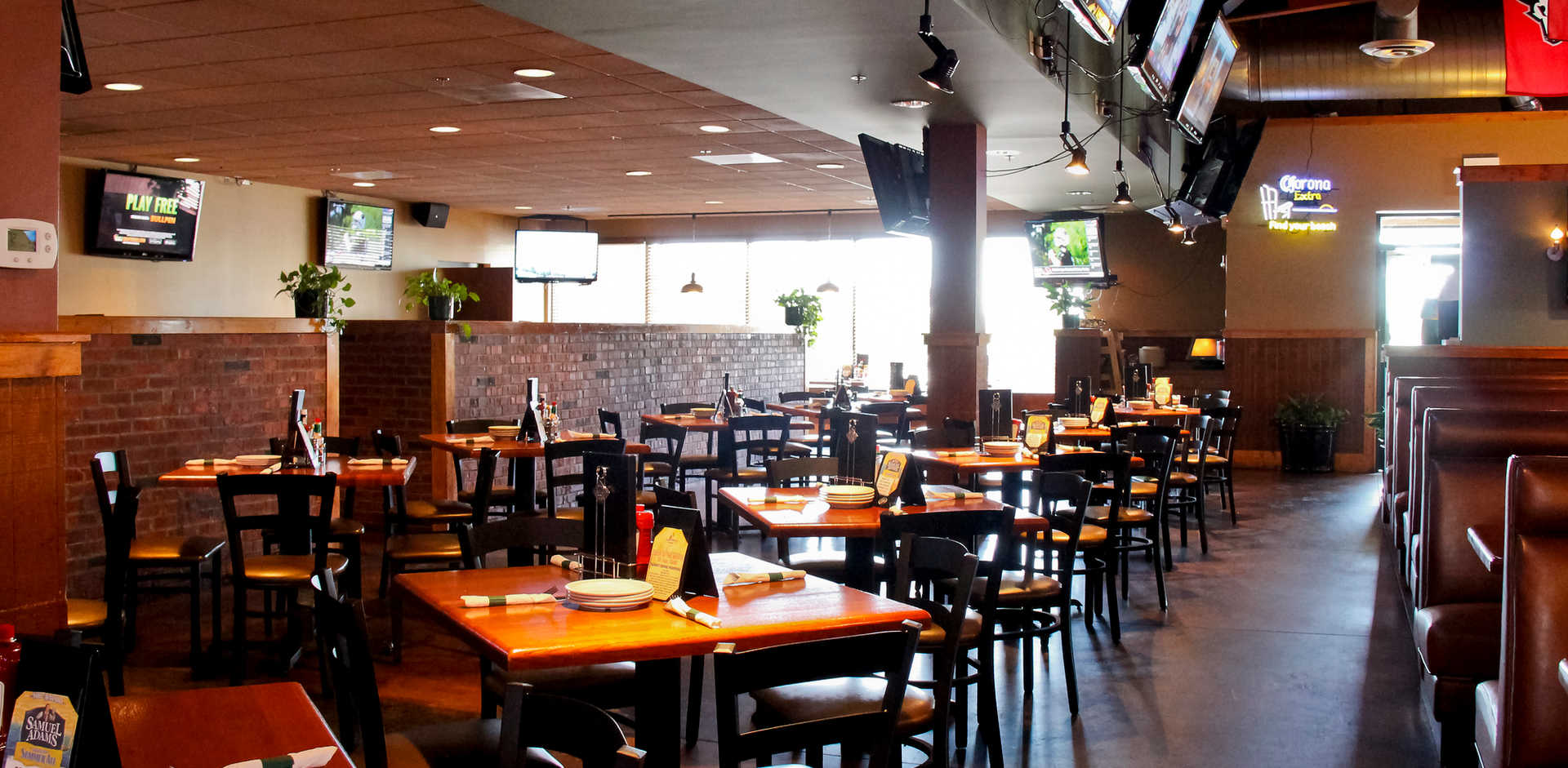 Real Time Sports Bar and Grill Dining Room