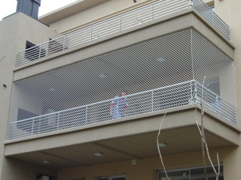 Cerramiento-balcon-completo-red-trenzada