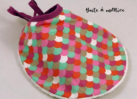 Bavoir rond ecailles multicolores