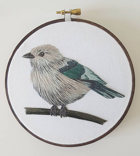 little bird // digital embroidery pattern // video instructions