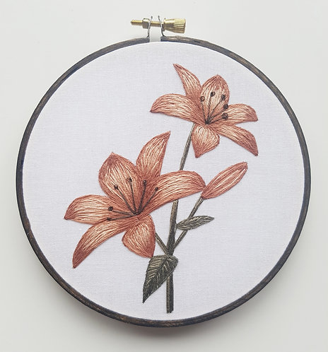 tiger lily // thread painting // instructional video w/ pattern
