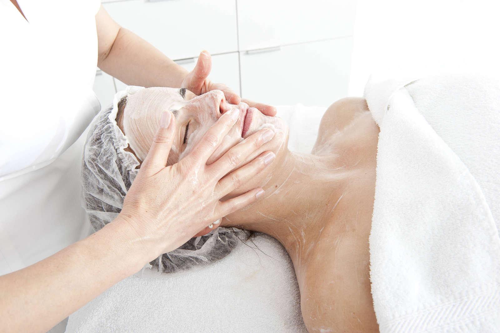 Kl. Gesichtsbehandlung ohne Massage