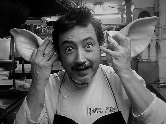 Fotógrafo y Cocinero. Oído, cocina!