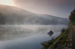 pecheurs sur la Meuse ...