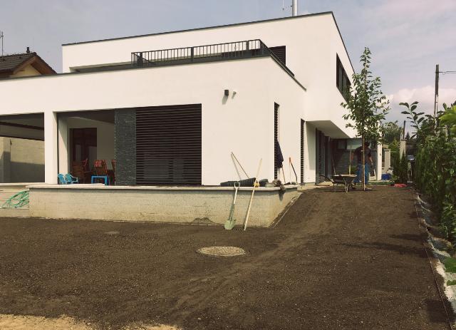 Dokončená úprava terénu zahrady