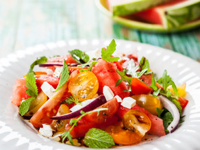 סלט עגבניות,בזיליקום וגבינת מוצרלה