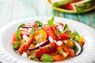 Свежий томатный салат