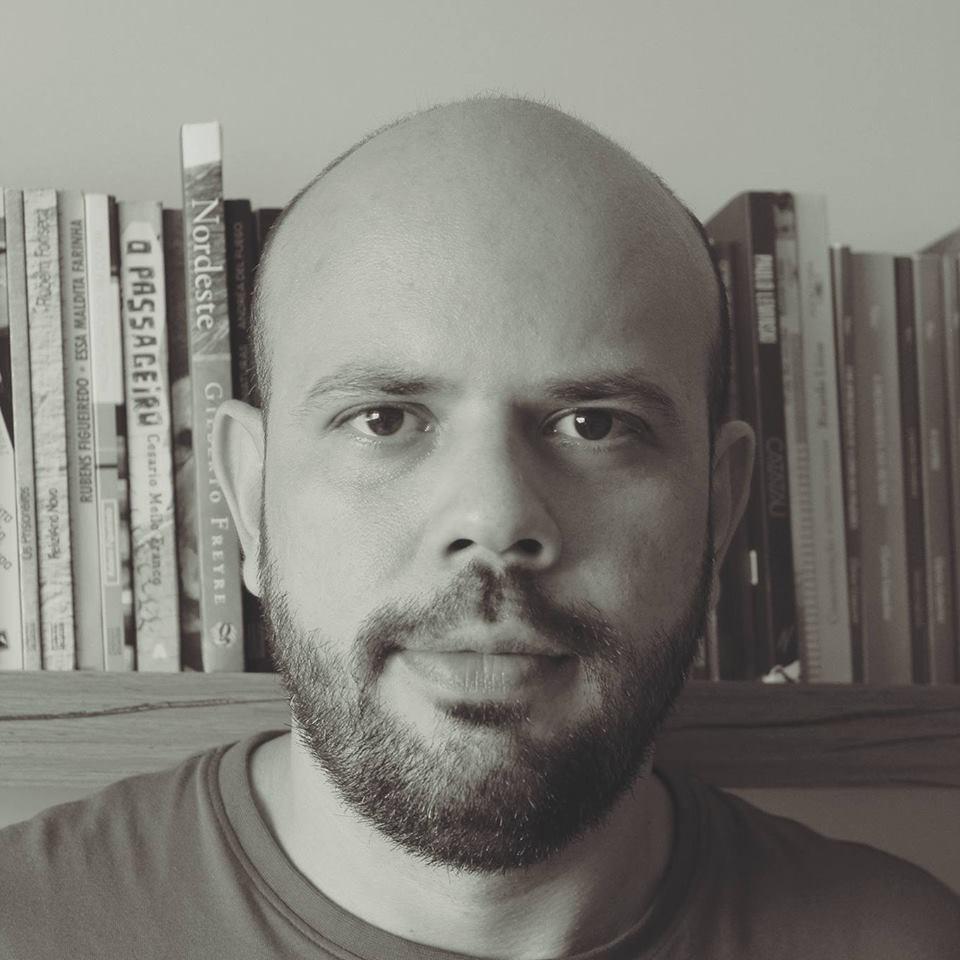 Escritor Marcel Vieira