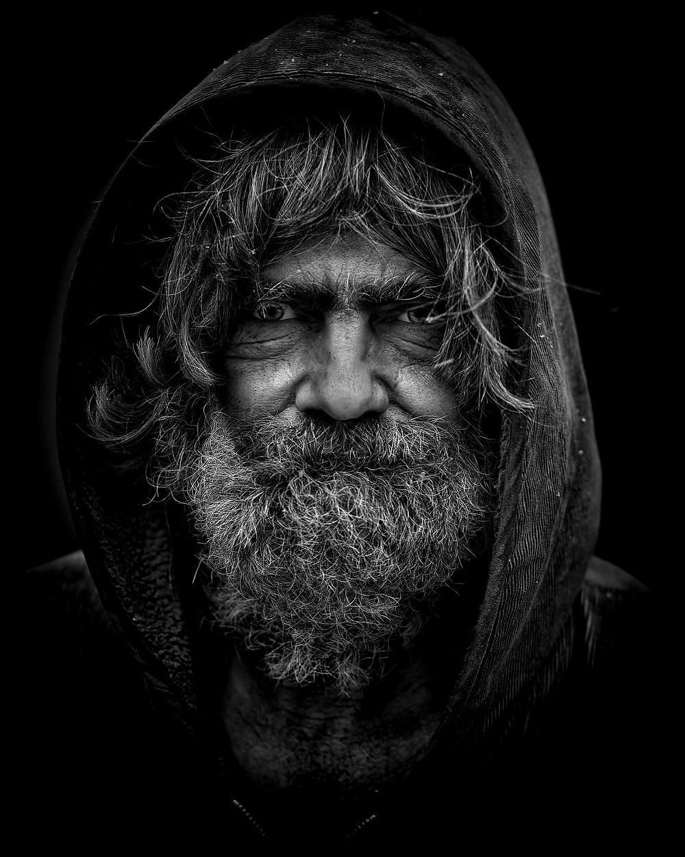 Rosto de mendigo morador de rua