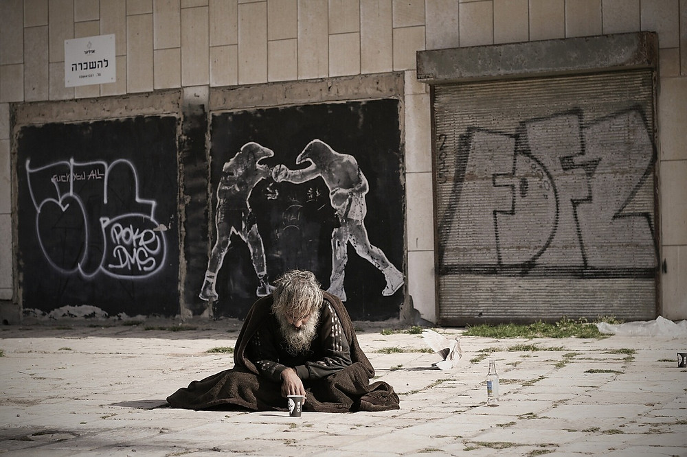 Mendigo morador de rua