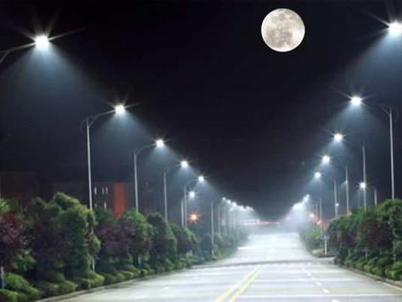 Moonlight vs. Streetlights