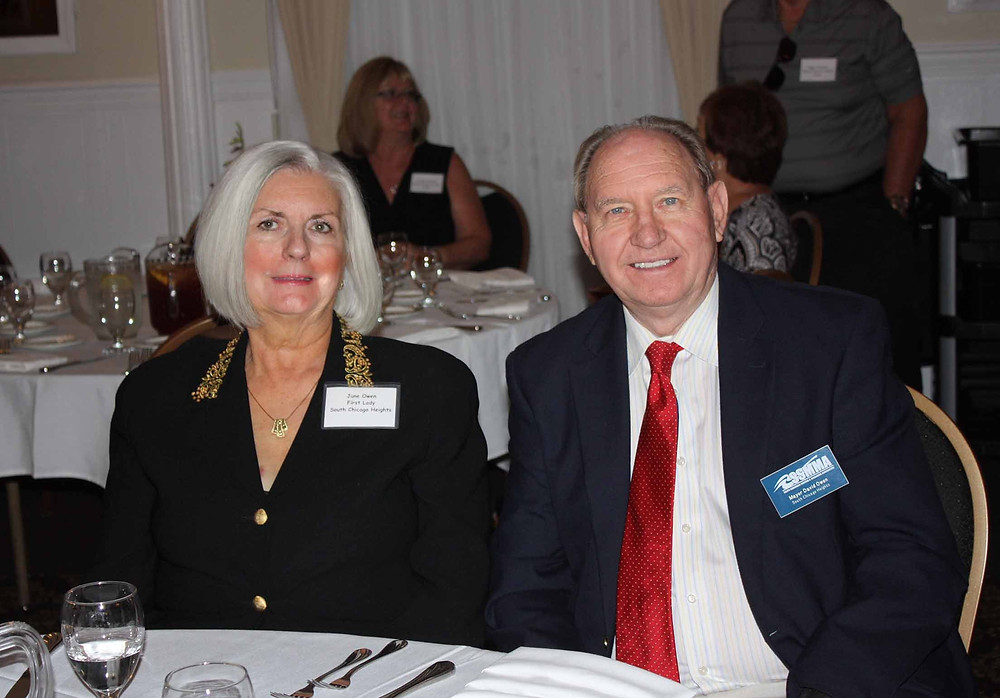 Retiring So. Chicago Heights Mayor Dave Owen with his wife, June, at SSMMA's dinner meeting in Lynwood