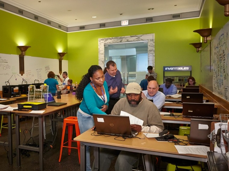 Photo courtesy of the Harold Washington library in Chicago. The lab offers free workshops, open lab hours and drop-in demonstrations.